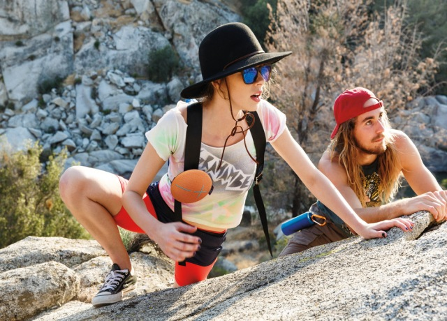 4-coolest-bluetooth-speakers-2017-UE-ROLL-2-most-fashionable-Bluetooth-speaker-for-rock-climbing-hiking