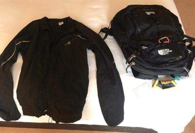 Computer Bag Packaging for Travel: BackpackJacket 3
