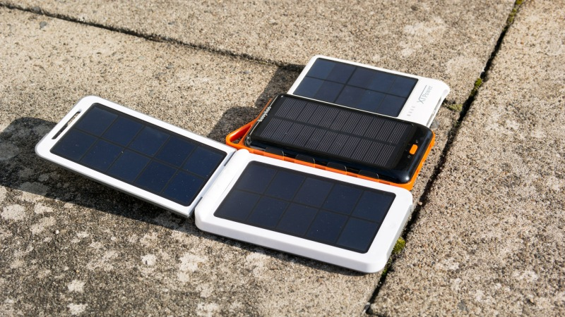 What Portable Solar Panel Charger Should I Buy: easyacc solar panel