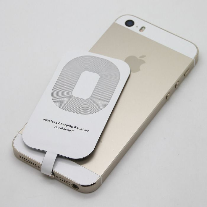 place_your_iPhone_on_the_charging_pad_which_requires_power_supply_to_function