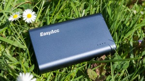 Power Bank 20000mAh Review – Samsung, Anker, Sony, Xiaomi 20000mAh Power Bank and More: EasyAcc quick charge power bank