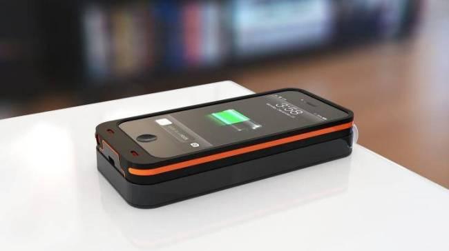 Dog & Bone_Backbone_Wireless_Charging_Case