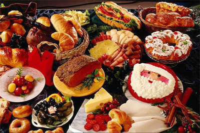 eating_special_food_together_became_an_acclaimed_eventon_Christmas_Day