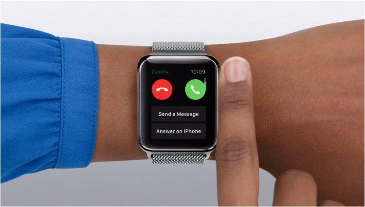 Apple-Watch-answer-on-phone.mute