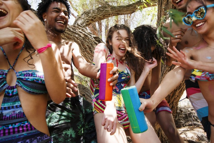 4-Best-Bluetooth-speakers-for-outdoor-party-2017