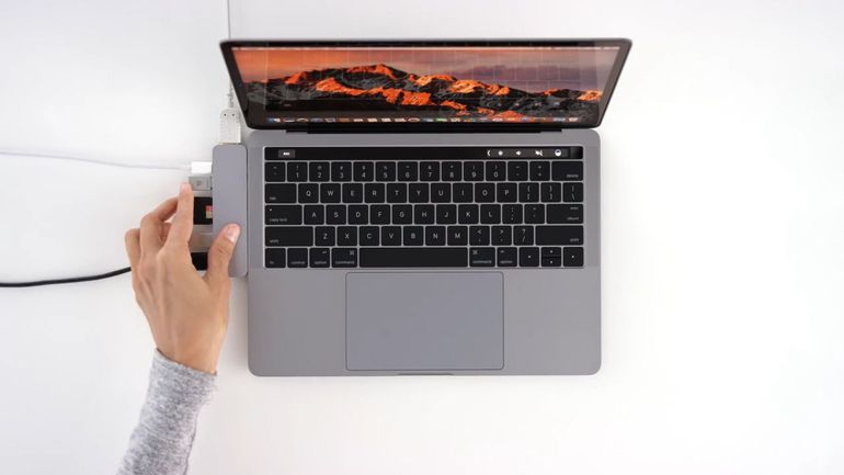 best_macbook_pro_accessories_2017