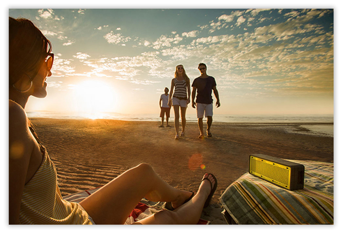 bluetooth_speaker_for_beach