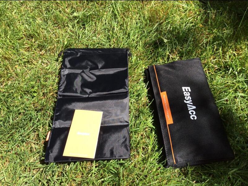EasyAcc 28w high efficiency portable solar panel