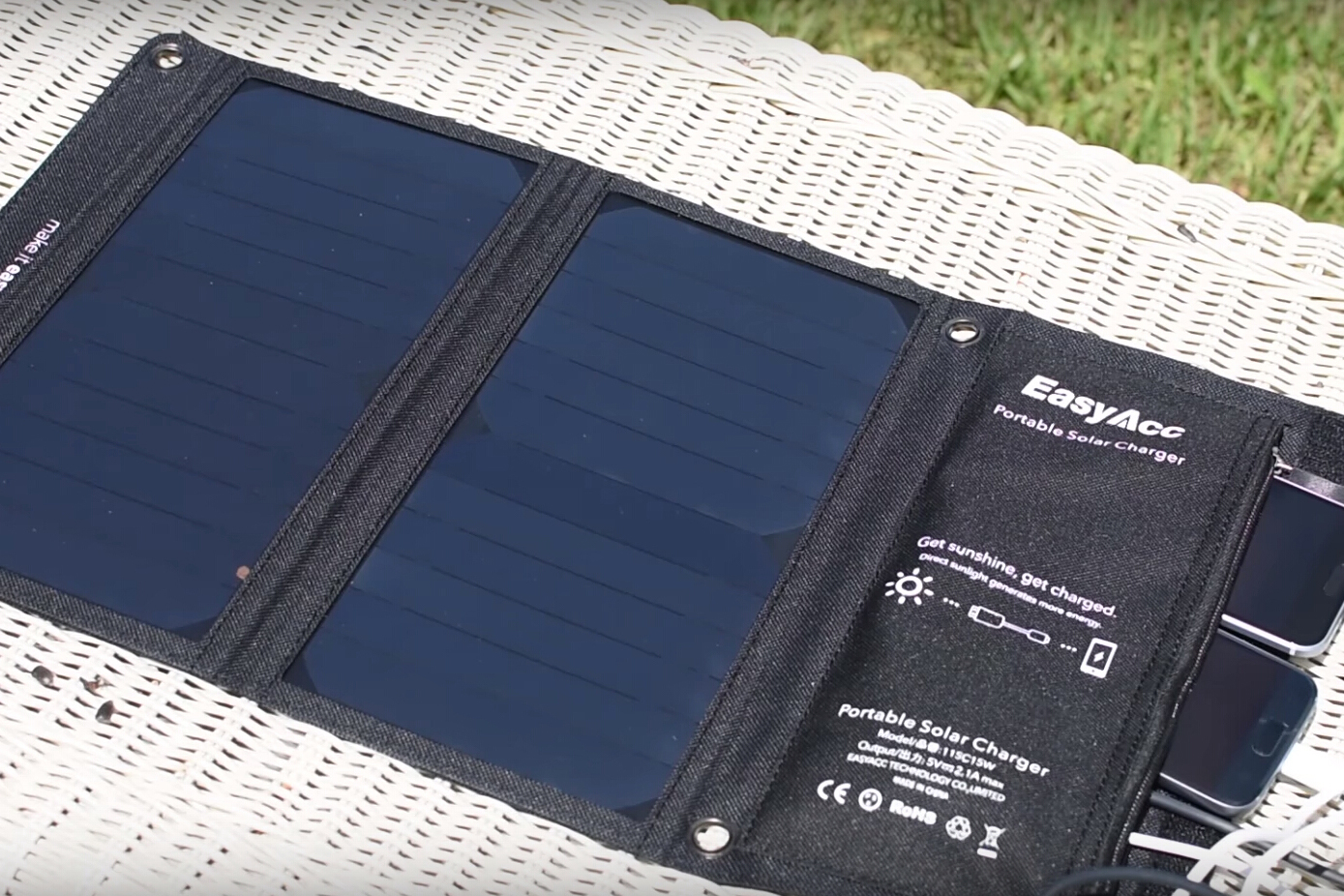 EasyAcc Solar Charger Review