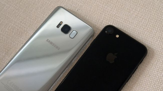 Samsung Galaxy S8 vs iPhone 7 1