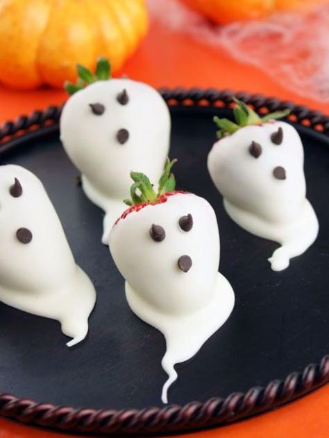 Halloween_food_ideas_2016:Strawberry_ghosts