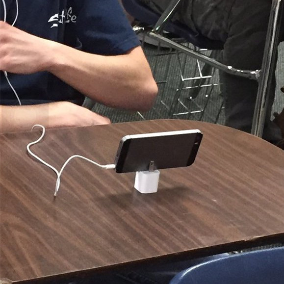 How to Use iPhone Charger Unconventionally_5