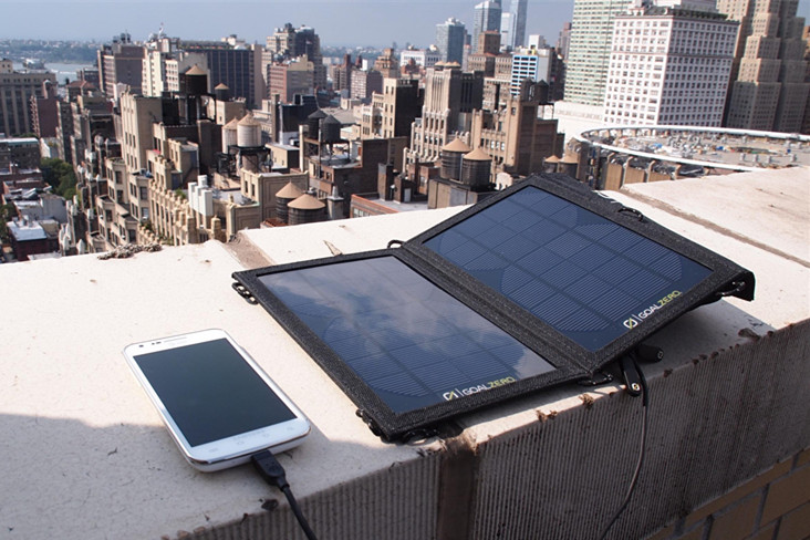 Best Solar Power Banks: Test and Review