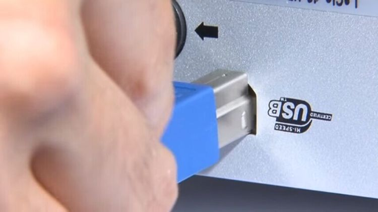 USB 3.0: What Is It and How It Is Superior to USB 2.0: cannot plug in usb 2.0