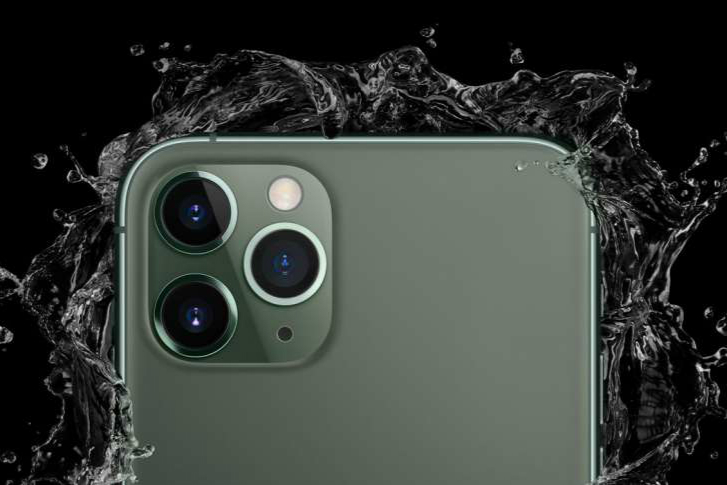 can-iphone-11-11-pro-11-pro-max-take-pictures-underwater