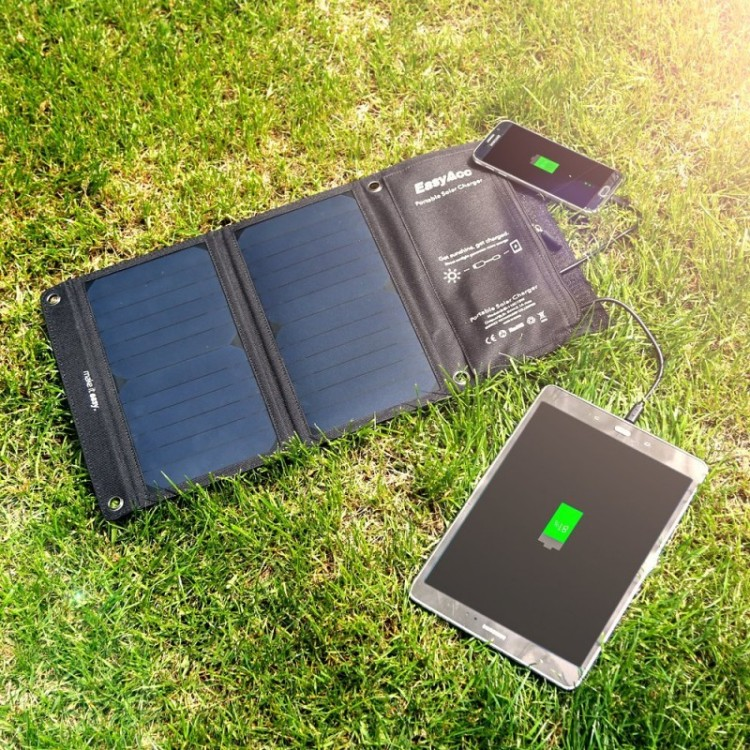 What Portable Solar Panel Charger Should I Buy: easyacc-solar-charger-2-port-usb-with-15w-high-efficiency-sunpower-solar-panel-
