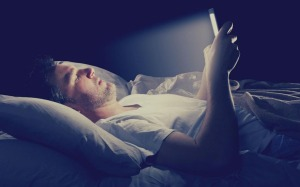 lying flat and reduce the screen light in dark