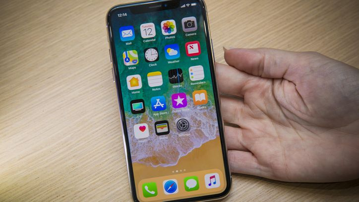 Does-the-iPhone-XS-Max-Need-a-Screen-Protector-3
