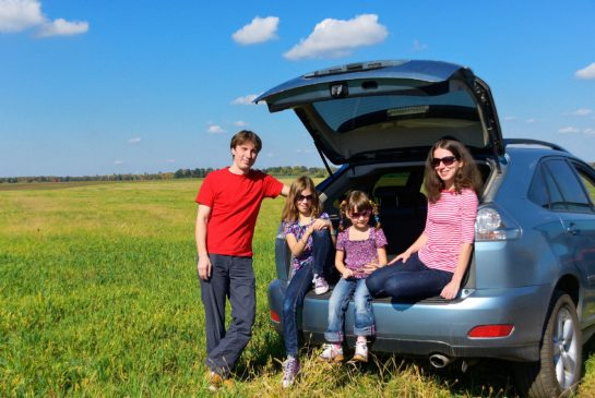 car-family-drive