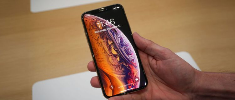 Does-iPhone-XS-and-XR-Have-Headphone-Jack-1