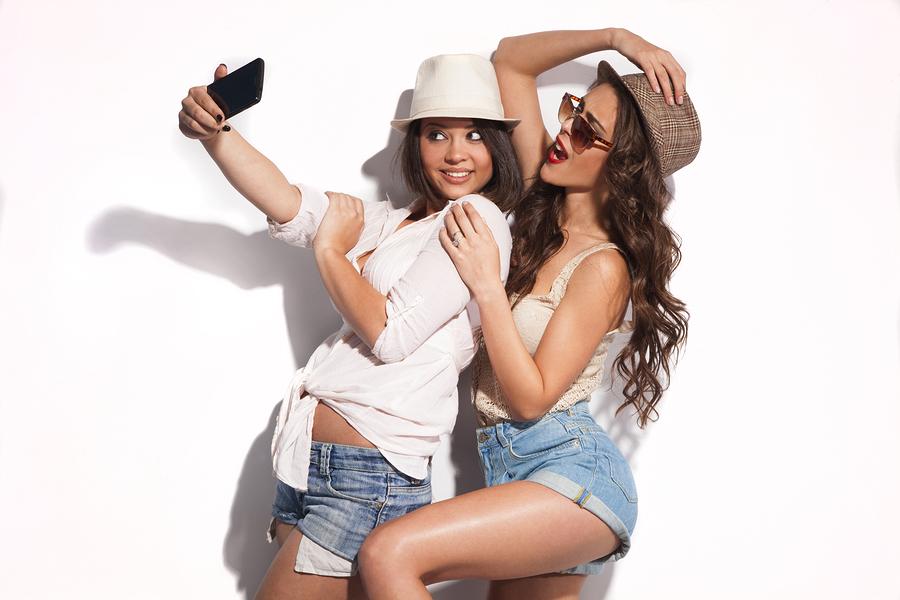 how-to-take-selfies-like-a-model