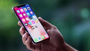 how_does_the_full_screen_display_on_the_iphone_x_benefit_you
