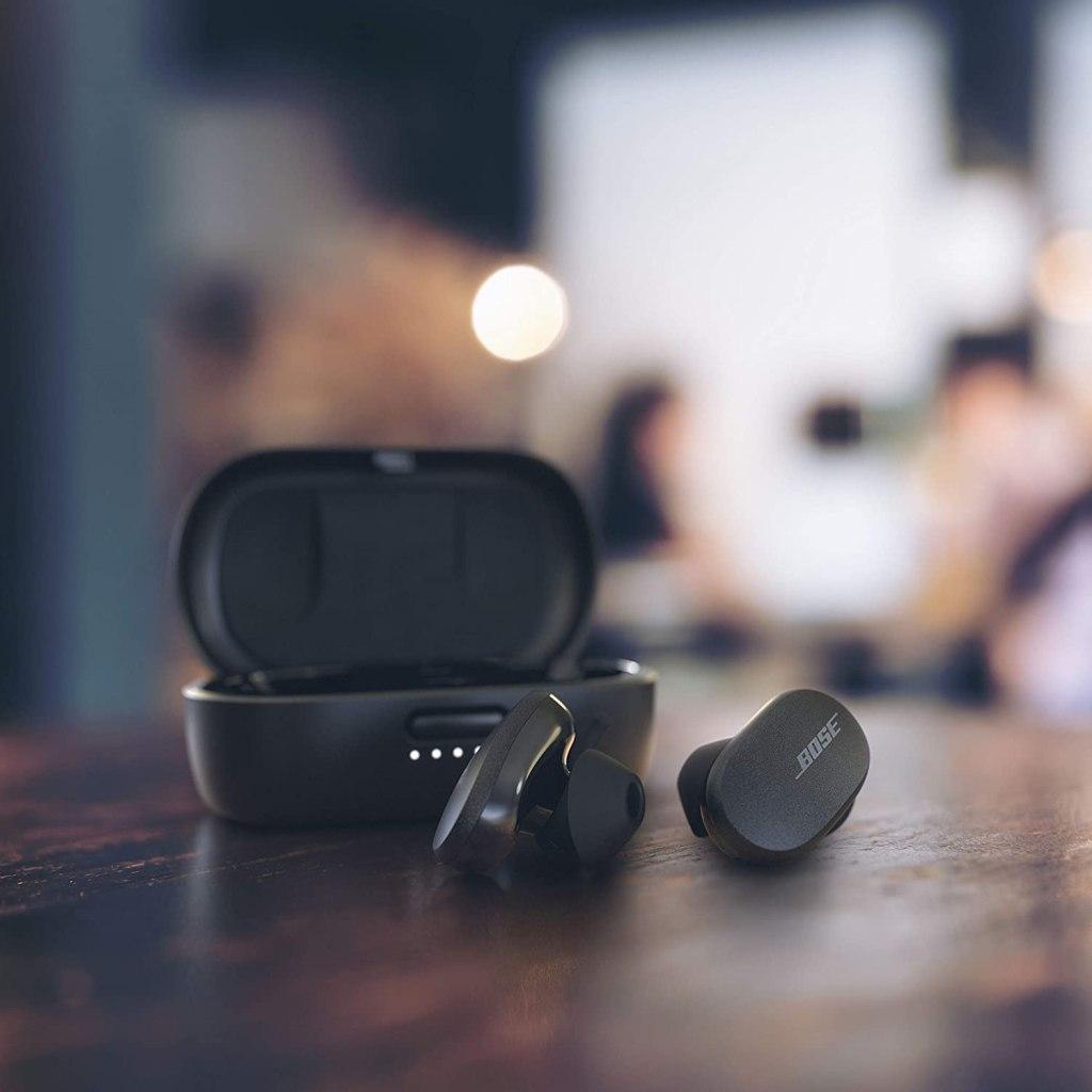 best-noise-canceling-true-wireless-earbuds-2021-bose-quietcomfort