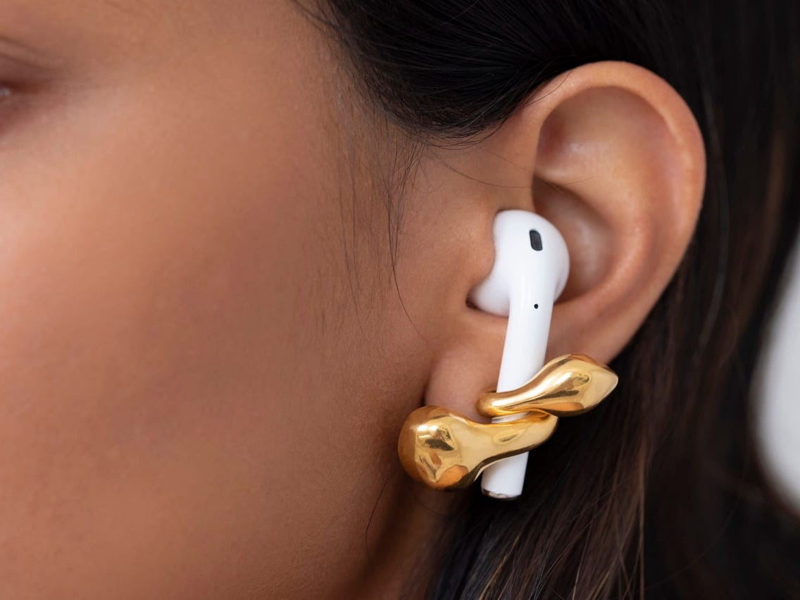 how-to-avoid-losing-your-airpods-when-in-use